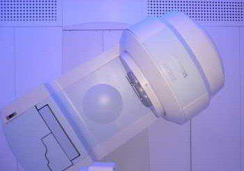 Апаратът за лъчелечение в Онкологията повреден, стотици болни без терапия