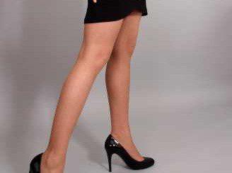 Как влияе на крака носенето на високи токчета?