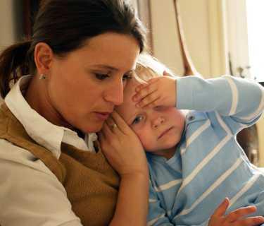 дете висока температура болно гърло