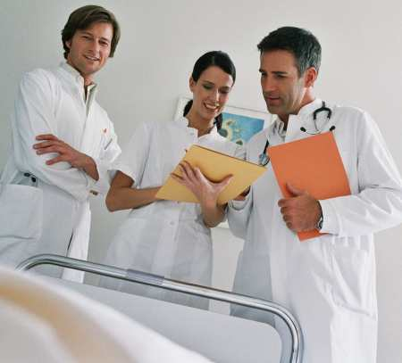 лекари болница