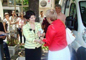 Министър Атанасова се изследва за СПИН