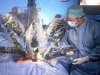 Уникален случай: жена роди здраво бебе след операция от рак на шийката