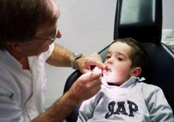 В млечните зъбки имало стволови клетки като в пъпната връв
