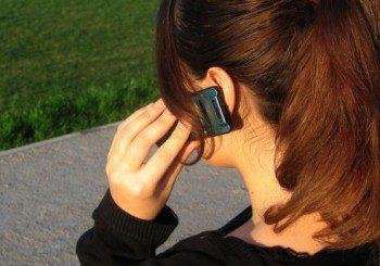 Телефоните са 10 пъти по-мръсни от тоалетната, заразяват ни