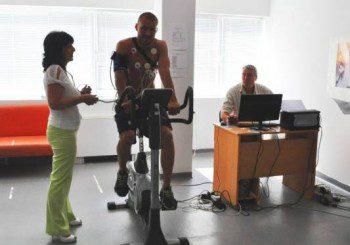 Нова апаратура в Бургас раздвижва след спортни травми или инсулт
