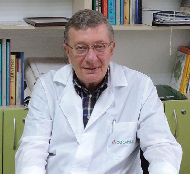 проф. Константин Чернев