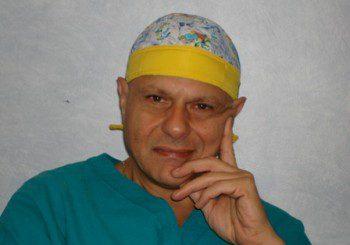 Италианският хирург светило Ернесто Пинторе продължава да оперира в София