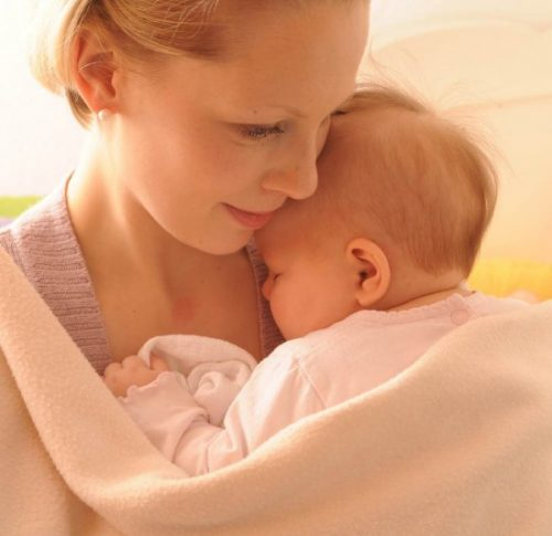бебе малко дете новородено