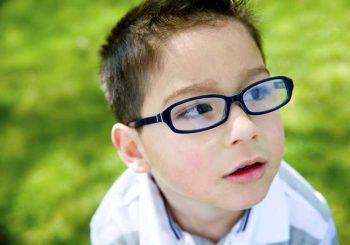 Примигване на едното око при деца е тревожен симптом