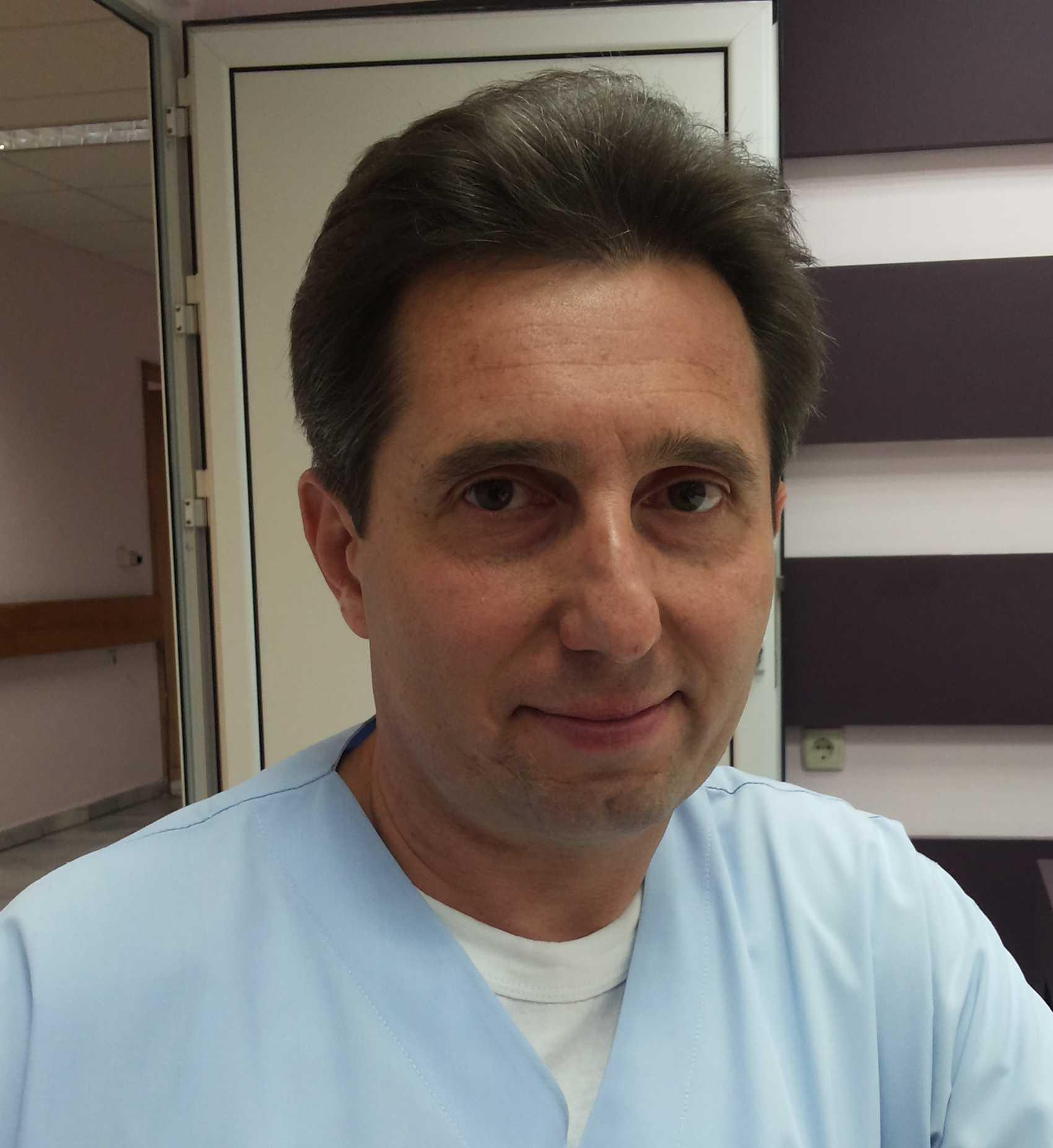 д-р Свилен Петков