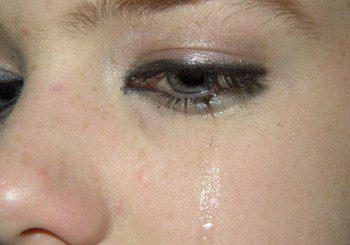 Сълзите наистина ни карат да се чувстваме по-добре