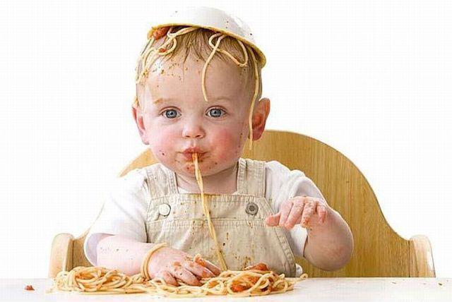 Педиатри: Давайте на бебето фъстъци и яйца още на 4 месеца!