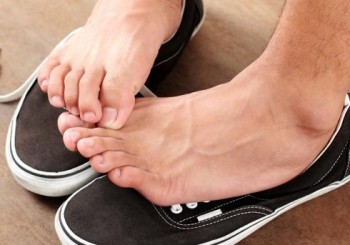 Лечението на гъбичките по ноктите е поне 3 месеца