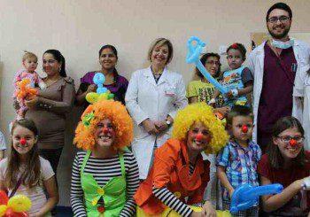Клоуни веселиха децата в Кардиологичната болница за първи учебен ден