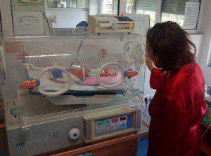 бебе в кузвьоз болница Света Анна