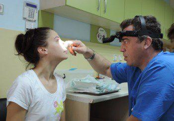Сънна апнея или полипи в носа може да са причина за хъркането