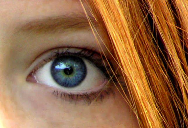 червена коса лунички