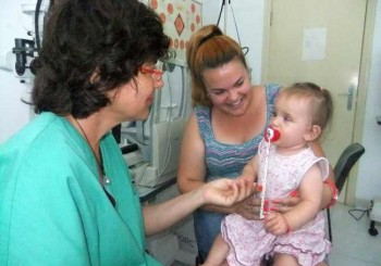 Оперираха успешно бебе с рядък дефект на окото - колобома
