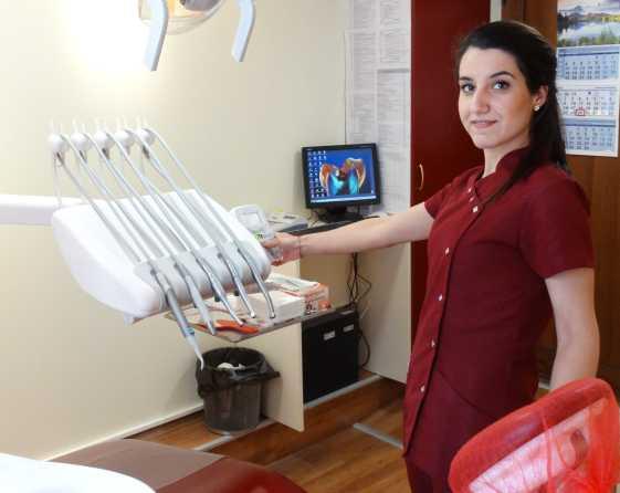 Внимавайте с избелването на зъбите у дома, може да увредите емайла