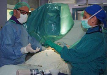 Две момичета спасени с тежки операции, държавата плати имплантите
