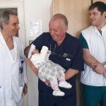 бебе вродена аномалия операция