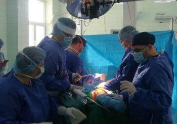 Слагат изкуствена става с нов тип щадяща операция почти без болка