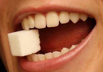 6 причини за метален вкус в устата