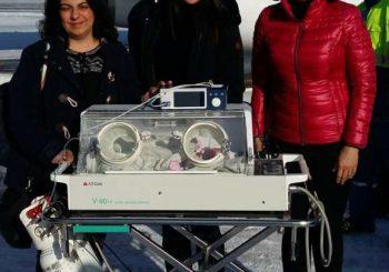 Зрението на недоносено бебе спасено с операция в чужбина