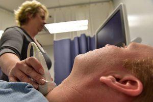 симптоми на болести на щитовидната жлеза