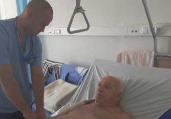 Ортопеди взеха кост от крака на пациент, за да спасят ръката му