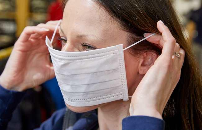 маската предпазва от заразяване с вируси