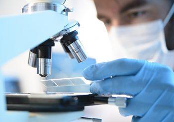Шокиращата истина за COVID-19: Вирусът кара кръвта да се съсирва, прави тромби!