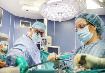 Бебе с рядък тумор на черния дроб изуми лекарите